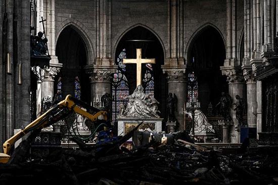 کلیسای نوتردام؛ یک ماه پس از آتشسوزی +عکس