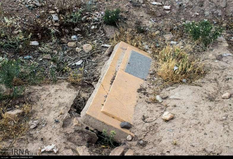تصاویر عجیب از یک قبرستان قدیمی در سمنان