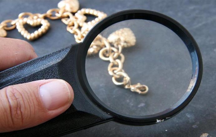 چگونه طلای اصل را از تقلبی تشخیص دهیم