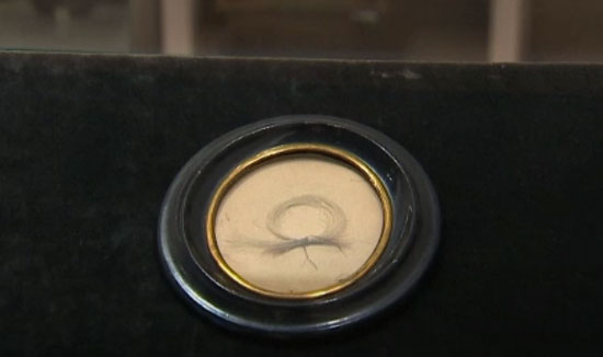 حراج تار موی بتهوون؛ قیمت پایه ۱۲هزار پوند+عکس