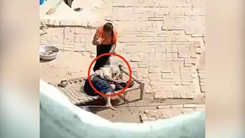 شکنجه مادرشوهر سالخورده توسط عروس جوان
