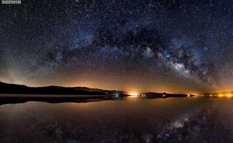 کهکشان راه شیری بر فراز دریاچه مهارلو شیراز +عکس