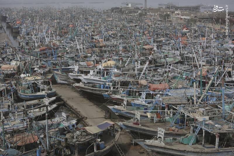 در این تصویر چند قایق وجود دارد؟ +عکس