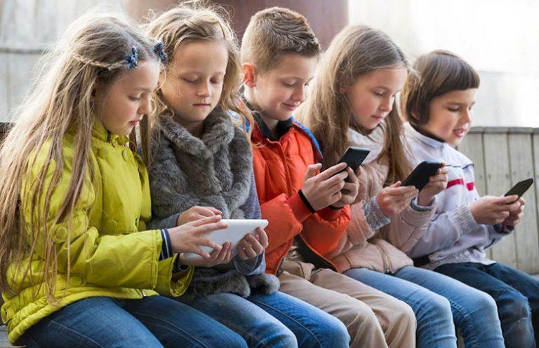 اگر زیاد از تلفن هوشمند استفاده میکنید؛ احتمالا جمجمه شما تغییر شکل یافته و رشد استخوان پسسری شما زیاد میشود