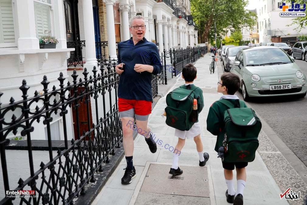 آقای وزیر در حال دویدن در خیابان+عکس