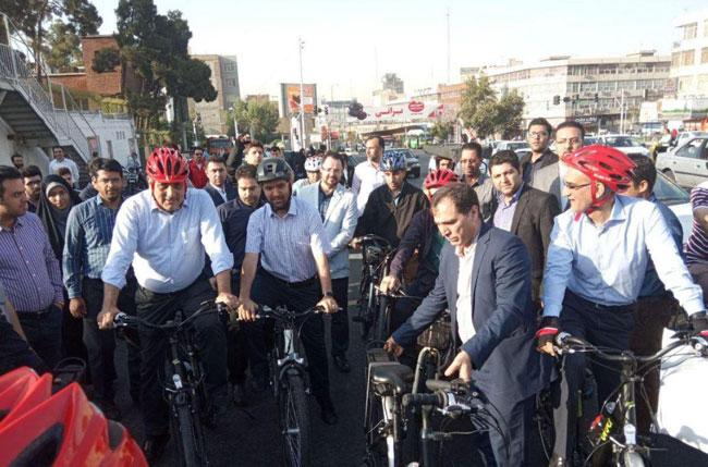 دوچرخهسواری آذری جهرمی همراه با شهردار تهران+عکس