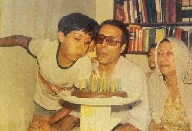 عکسی قدیمی از جشن تولد خانوادگی کیارستمی