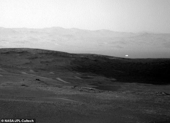 یوفو در آسمان مریخ +عکس