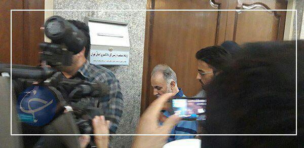 لحظه ورود محمدعلی نجفی به دادگاه+عکس