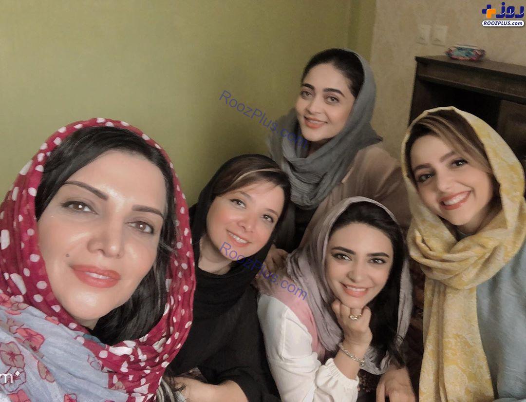 دورهمی الهام پاوهنژاد با دوستانش +عکس