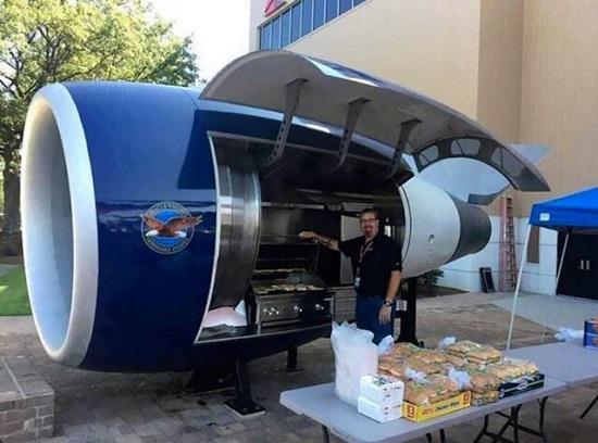 تبدیل موتور بوئینگ ۷۵۷به باربیکیو+عکس