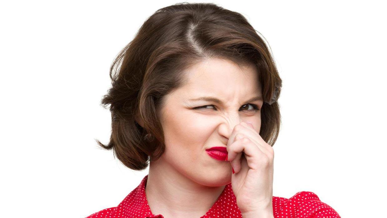 8 دلیل بوی بد باد شکم