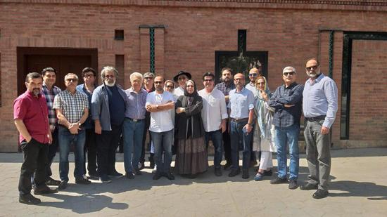 بزرگان سینما رسولاف را تا دادگاه همراهی کردند +عکس