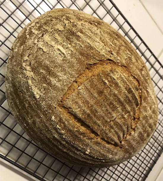 پخت نان تازه با خمیرمایه ۴۵۰۰ ساله!