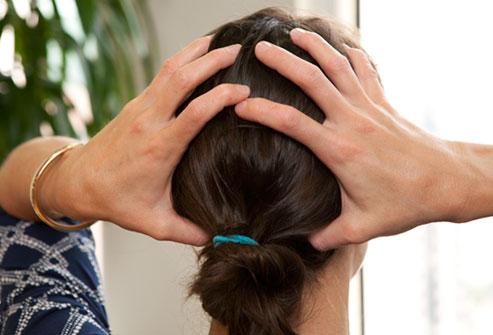 علت درد در پشت سر + راهکارهای درمانی و پیشگیری