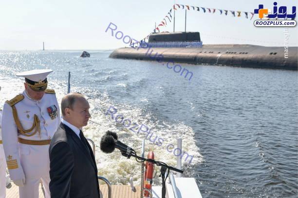 سخنرانی پوتین روی دریا +عکس
