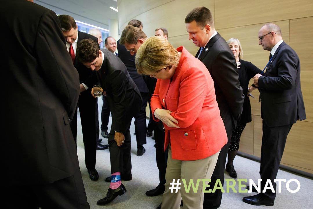 جوراب عجیب نخست وزیر کانادا + عکس