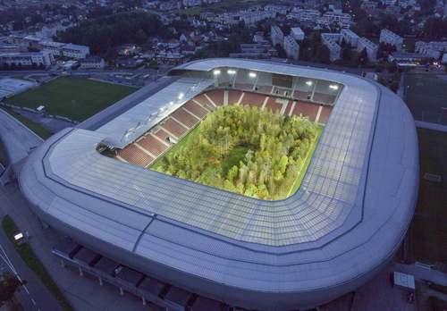 از استادیوم جنگلی در اتریش تا شمالیترین شهر جهان در نروژ