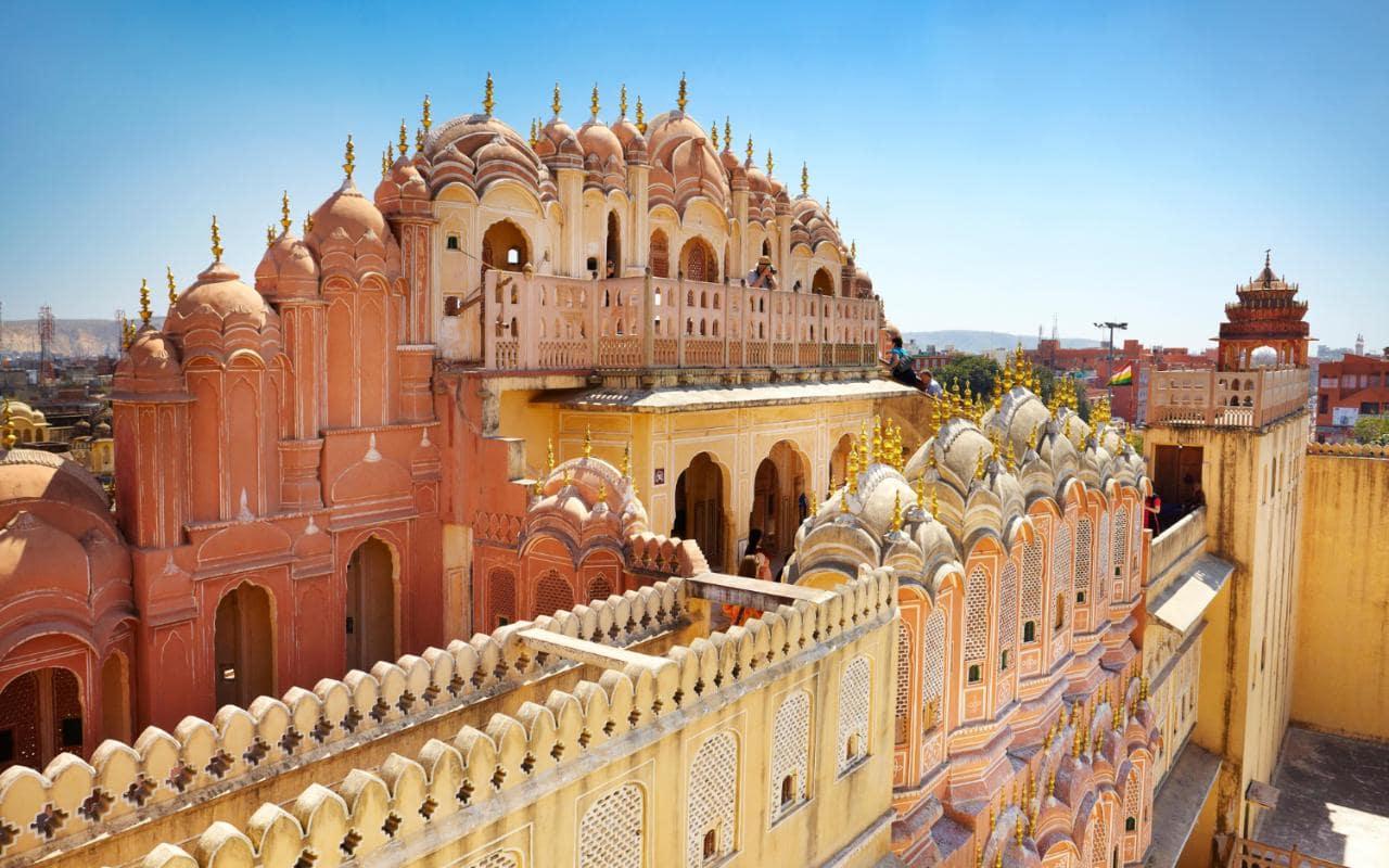 با جاذبه های گردشگری هند و باکو آشنا شوید
