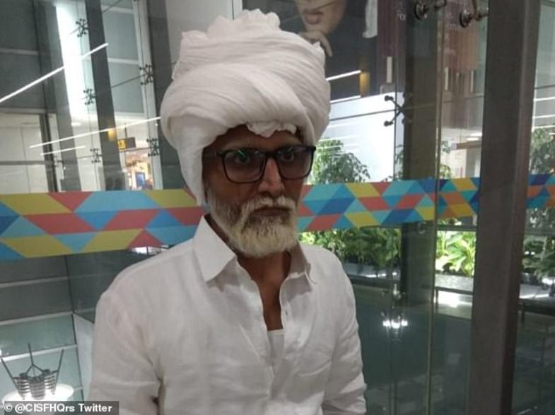 ترفند عجیب مرد هندی برای سفر به آمریکا لو رفت+تصاویر