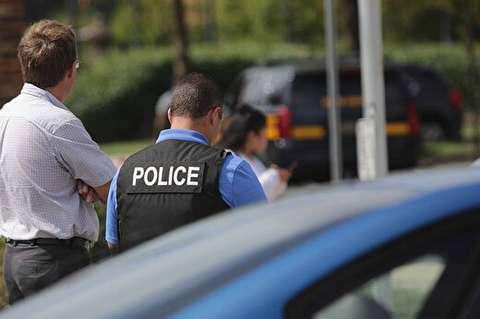 واکنش سریع پلیس در لحظه پریدن یک جوان از پل
