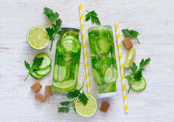 فواید آب خیار برای سلامتی