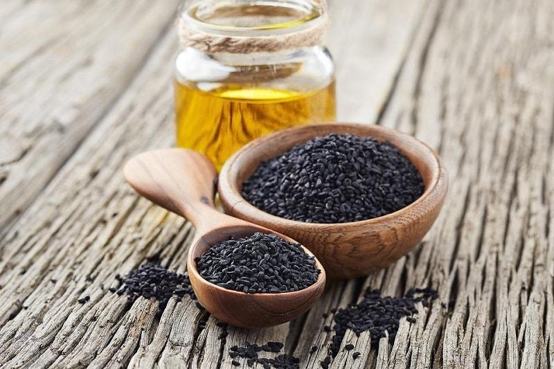 خواص سیاه دانه و درمان ۱۰۰۰ درد با سیاه دانه