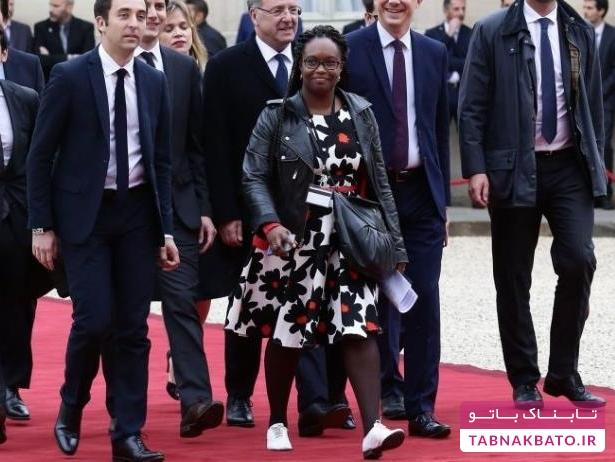 انتقاد از لباس های سخنگوی کاخ الیزه