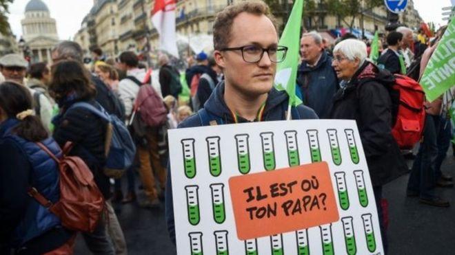 اعتراض به مجاز شدن لقاح مصنوعی برای همجنس گرایان در فرانسه
