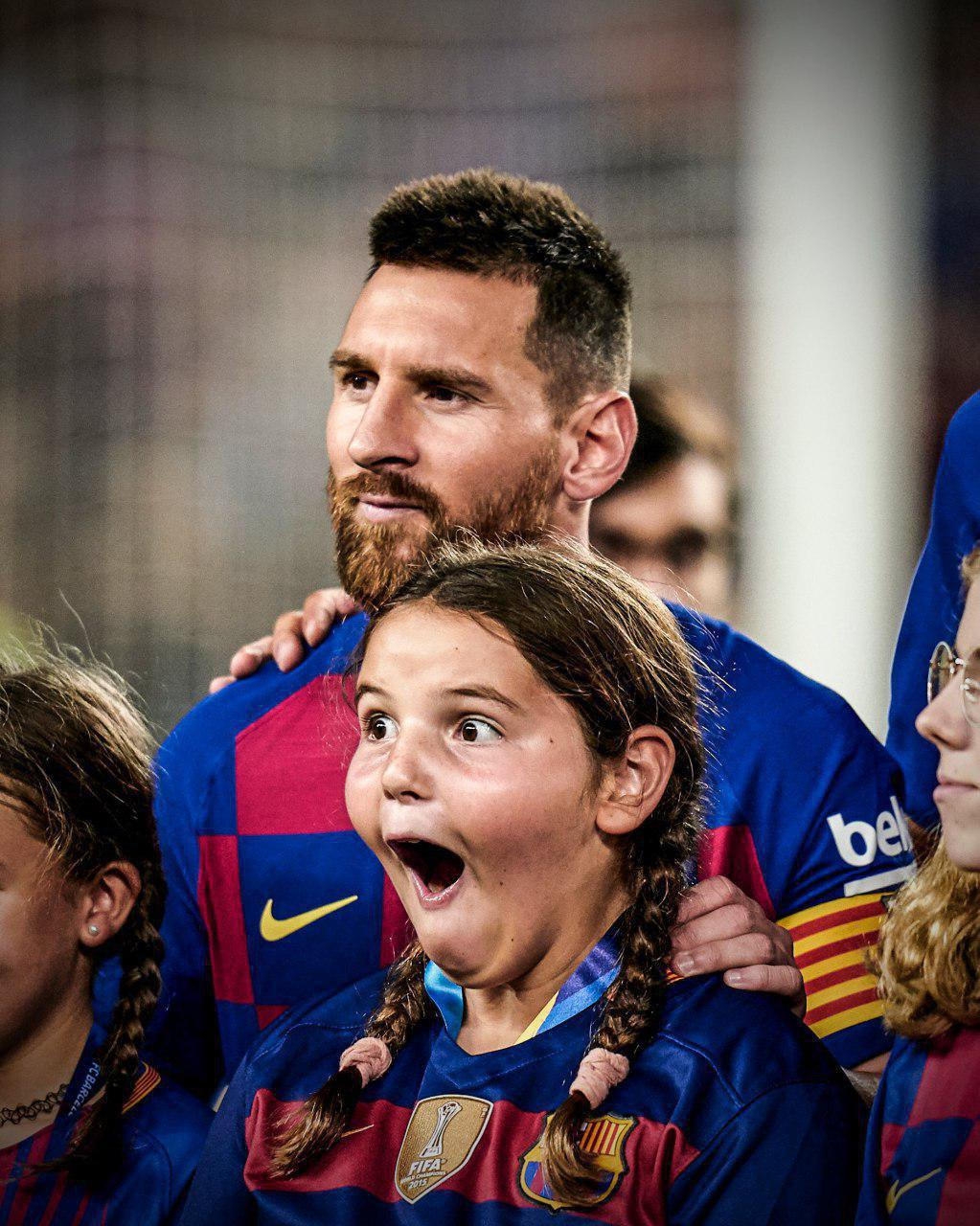 ذوقزدگی دختربچهای که در کنار مسی قرار گرفت+ عکس