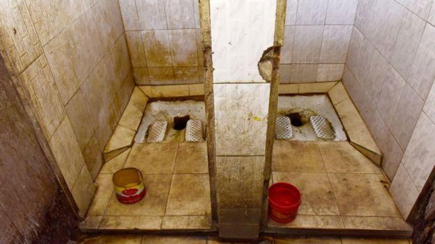 کدام توالت برای سلامتی ما بهتر است؛ فرنگی یا سنتی؟