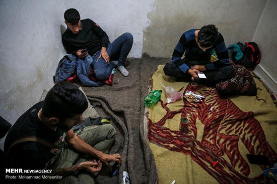 تصاویری از پاتوقِ خلافکاران در خانههای مجردی