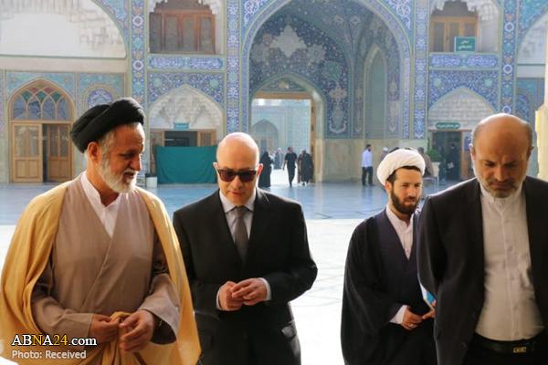 سفیر یونان با گروات در حرم حضرت معصومه(س) حضور یافت +تصاویر