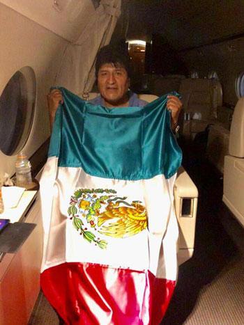 مورالس پناهنده شدن به مکزیک را پذیرفت+عکس