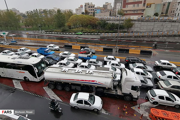 ترافیک چند صدمتری در بزرگراه امام علی(ع)+عکس