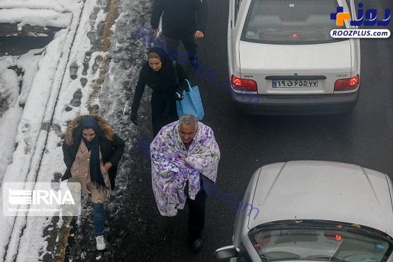 شهروندی که با پتو به خیابان آمد+عکس