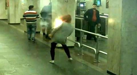 آتش گرفتن تلفن همراه در کیف دستی