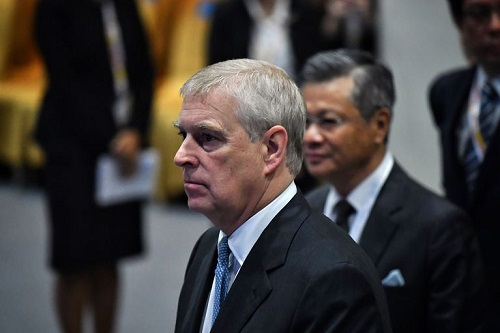 رسوایی اخلاقی، پسر ملکه را وادار به استعفا کرد+عکس