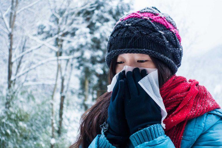چرا در هوای سرد آبریزش بینی می گیریم؟