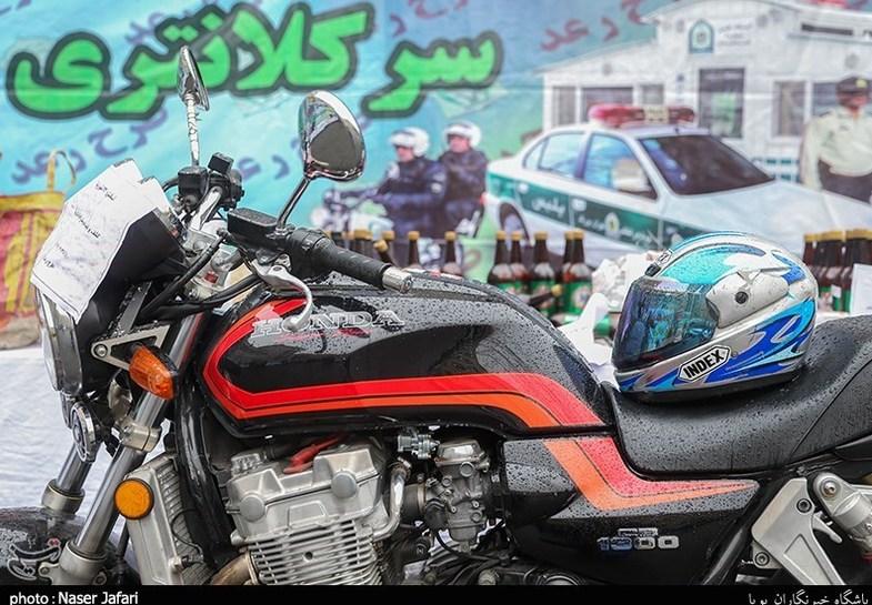 توقیف موتورسیکلتهای قاچاق ۳ میلیارد تومانی +عکس