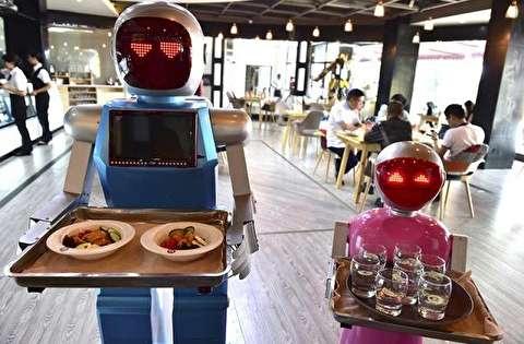 عملکرد حرفهای و جذابِ ربات گارسون
