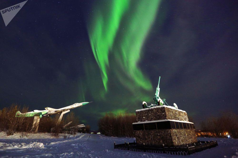 تصویری بسیار زیبا از شفق قطبی در مورمانسک
