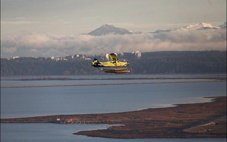 هواپیمای دریایی برقی در کانادا پرواز کرد +عکس