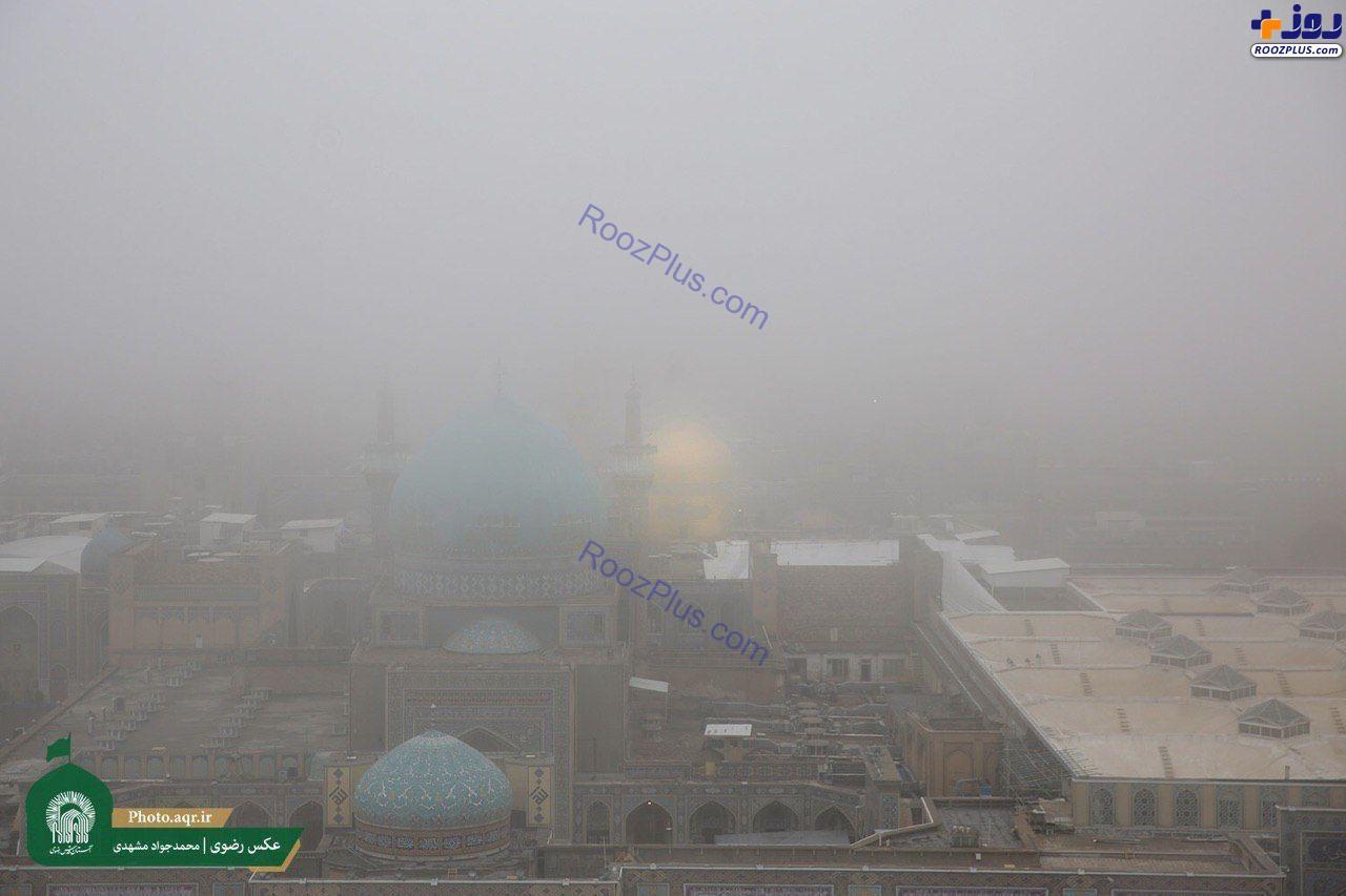 تصویری از مه گرفتگی شدید در حرم رضوی