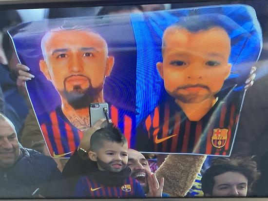 کودکی که خودش را شبیه گلزن بارسلونا کرد +عکس