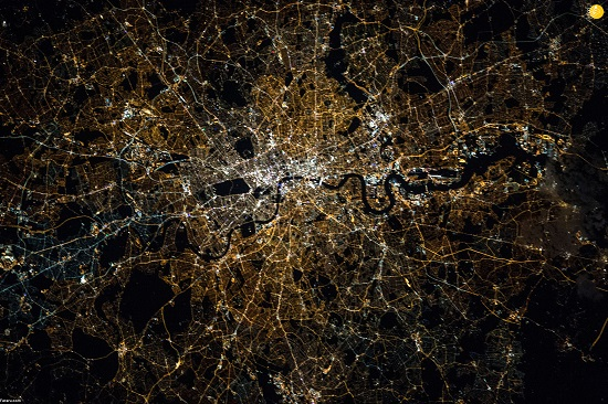 عکس دیدنی ناسا از درخشش لندن در شب