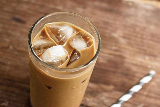 چگونه قهوه را بدون هیچگونه شیرینکنندهای بنوشیم؟