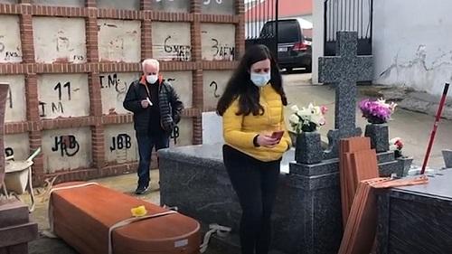 با شیوع کرونا در اسپانیا، خاکسپاری هم آنلاین شد