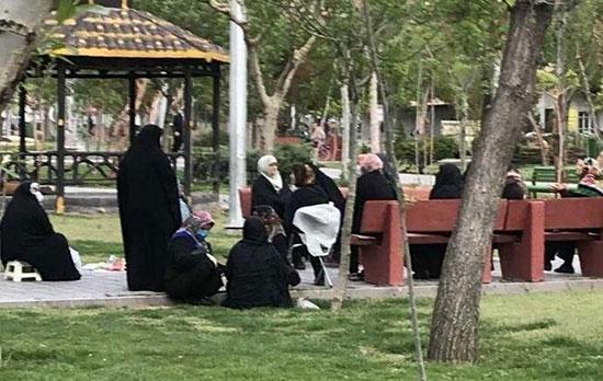 دورهمی کروناییِ زنان در پارک فجر تهران+عکس