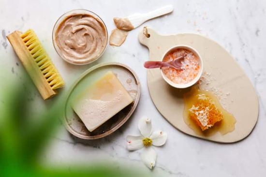 طرز تهیه کرم سفیدکننده پوست در منزل